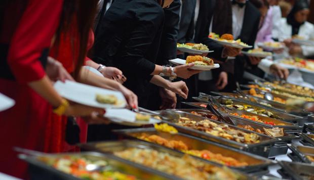 petrecere catering serviciu
